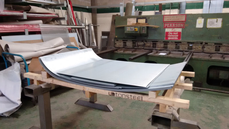 Saturday 12th Novembet has seen our team working behind the scenes in Burton with the sheet metal for the roof having been rolled into shape and is now ready for transporting to Rothley to be welded to the vehicle. Our thanks go to TAS Engineering for assisting with this project.